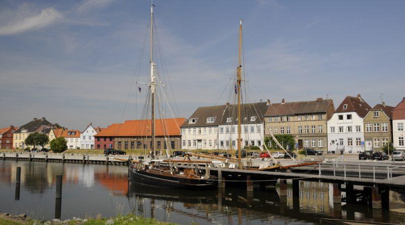 Hafen von Glückstadt an der Elbe